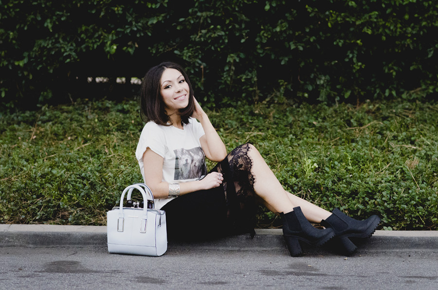Nihan wearing Brandy Melville white t-shirt with foxes and black H&M platform boots