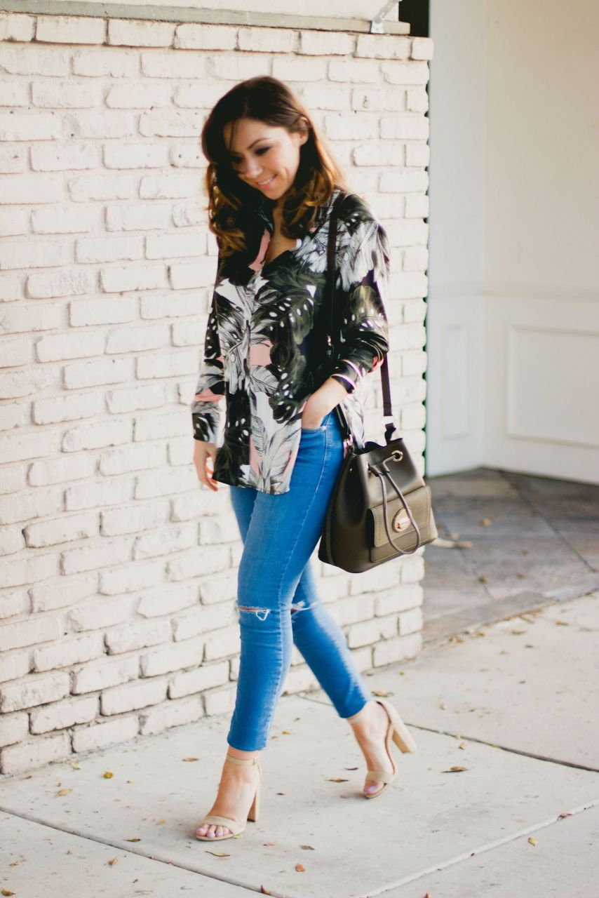 Style blogger Topshop floral print oversize shirt and blue ripped jeans