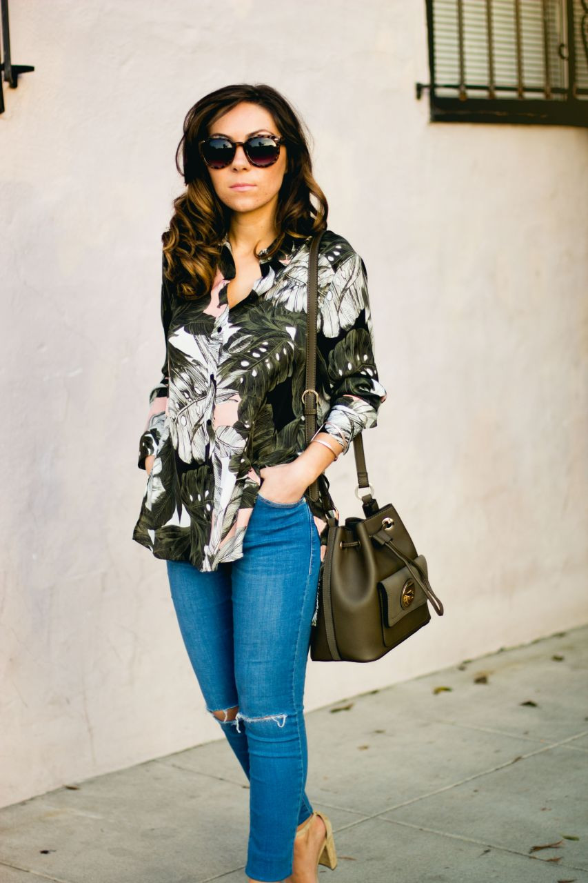Fashion blogger San Diego Topshop green bucket bag and floral button-up