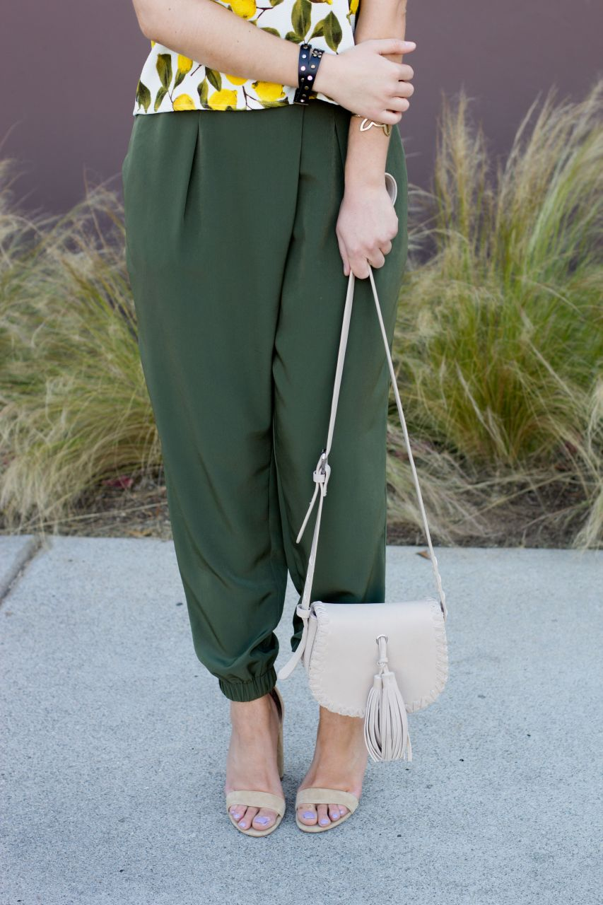 cute work outfit for summer Topshop pants