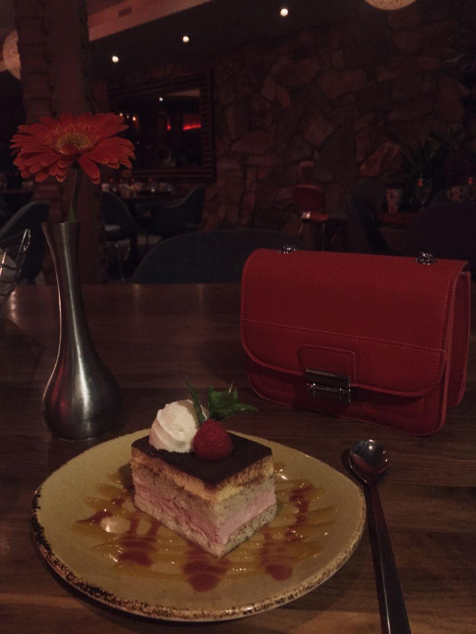 Hotel Valley HO Zuzu restaurant dessert