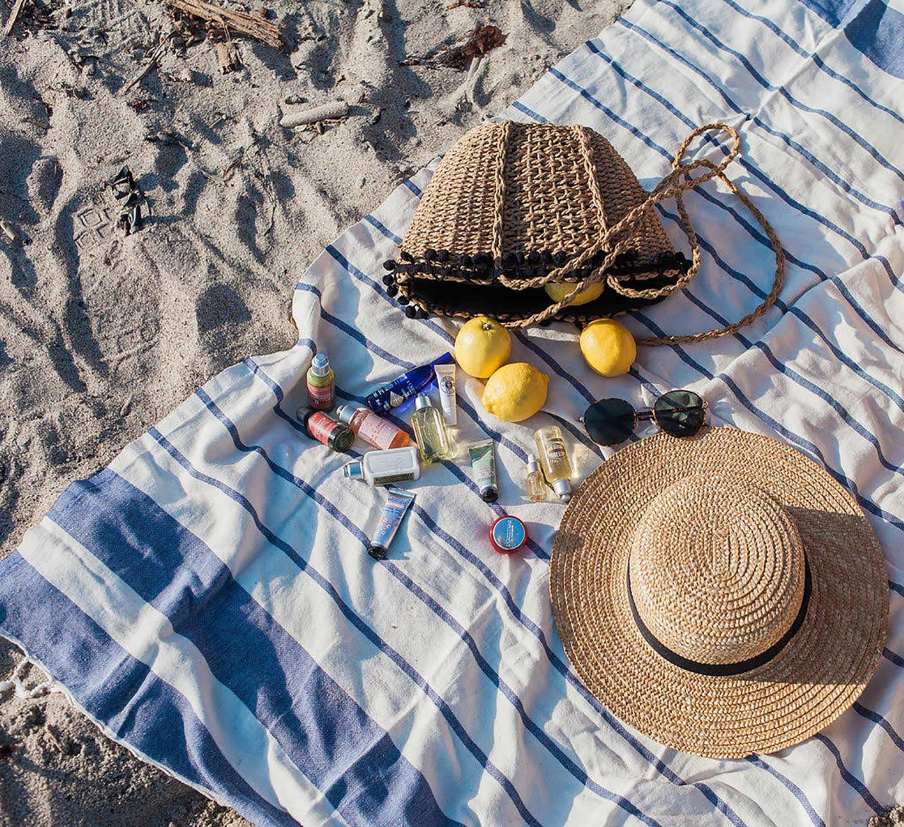TRAVEL BEAUTY MUST HAVE- L'OCCITANE SUMMER TREASURES SET