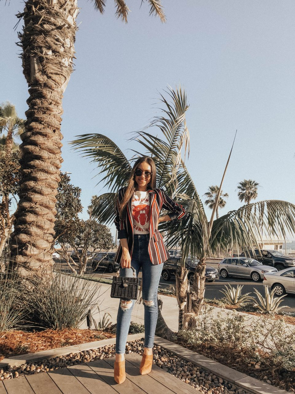 Style with Nihan wearing H&M blazer and printed tee