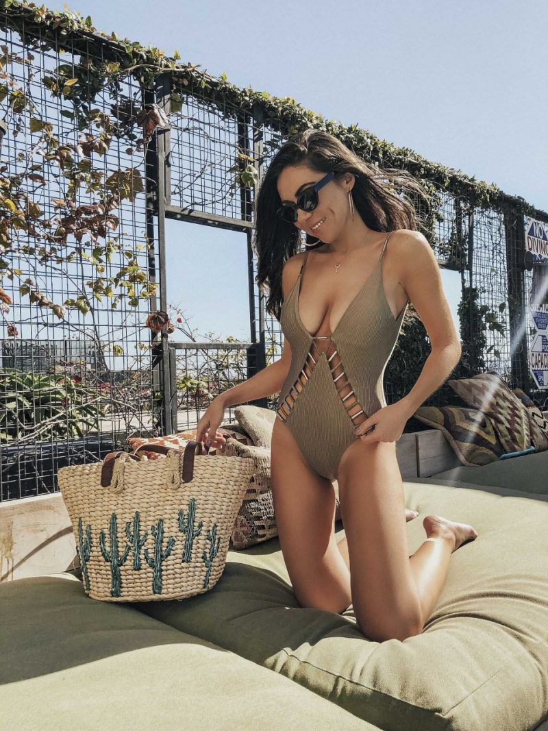 THE FLATTERING ONE PIECE KHAKI SWIMSUIT YOU NEED FOR SUMMER 2018 WITH RIVER ISLAND
