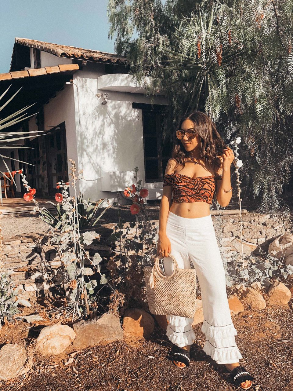 Nihan_style_with_nihan_river_island_leopard_print_crop_top_quay_sunglasses_laja_restaurant_valle_de_guadalupe_mexico